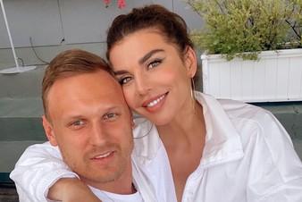 Анна Седокова выходит замуж за молодого бойфренда