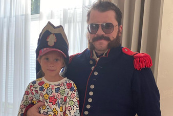 Гарик Харламов признался, что до сих пор не рассказал дочке про развод