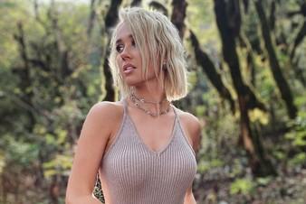 Премьера клипа «Костер»: Клава Кока и Hensy рассказали, какой разной бывает любовь