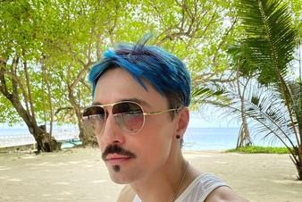 Дима Билан сбрил волосы во время отдыха на Мальдивах