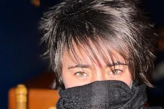 Земфира показала лирик-видео на трек «Пальто»