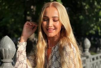 «Очень непривычно»: Ольга Бузова перекрасилась в блондинку