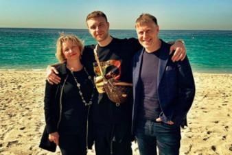 Егор Крид отдыхает с родителями в Дубае
